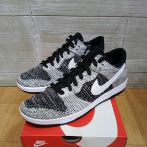 💯🔥Nike Dunk Low Flyknit OREO size 11 in women's
